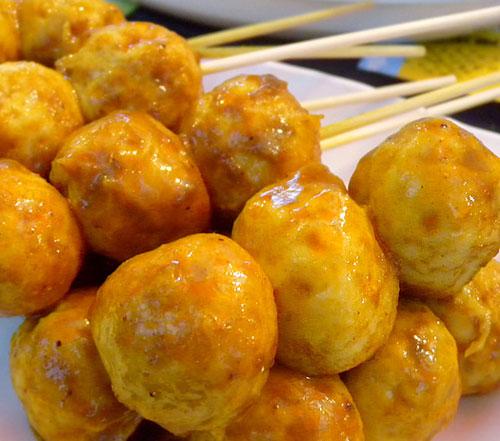 咖喱鱼丸 《法证先锋》何永章最爱吃咖喱鱼丸。